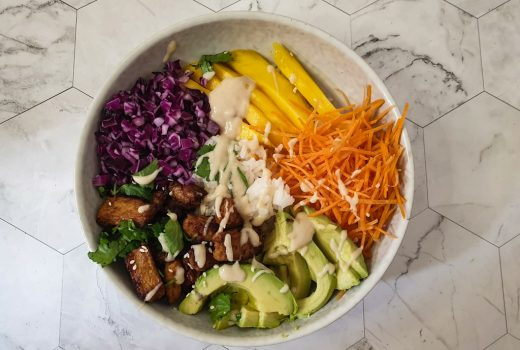 Maak zelf een lekkere vegetarische poké bow met dit vegetarische poké bowl recept! / Make your own vegetarian poké bowl with this poké bowl recipe!